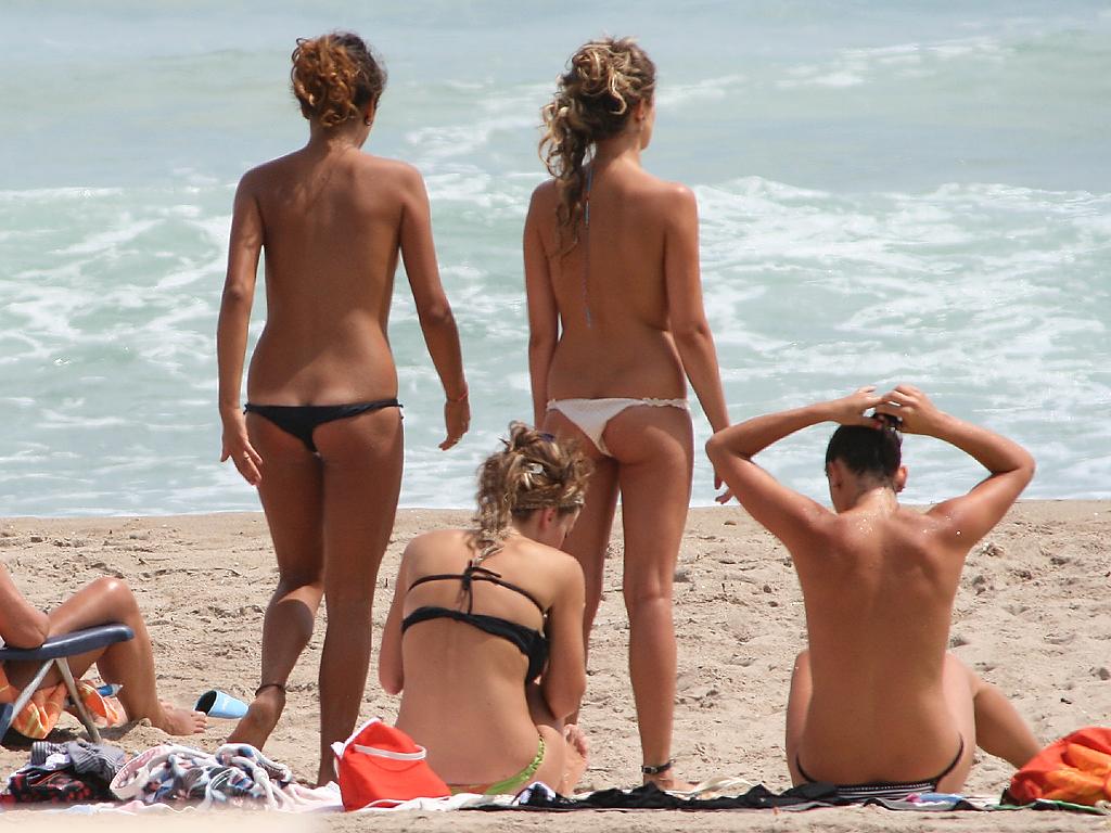 Opalanie topless we Włoszech