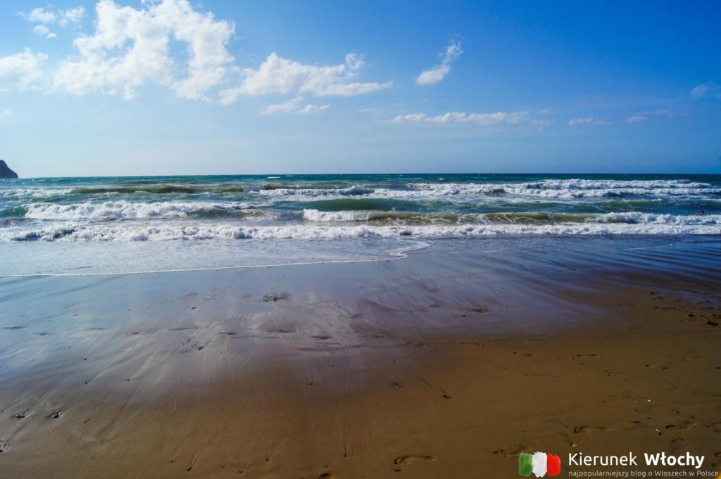 Zatoka Baratti w Toskanii, Włochy (fot. Łukasz Ropczyński, kierunekwlochy.pl)