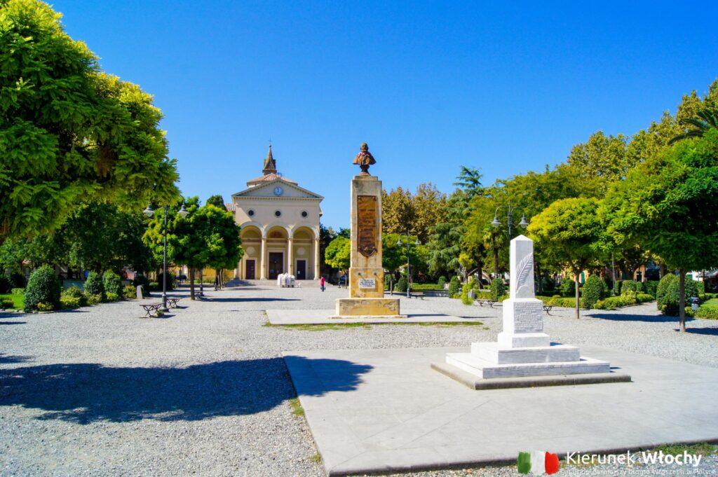 centrum miejscowości Vada, Toskania, Włochy (fot. Łukasz Ropczyński, kierunekwlochy.pl)