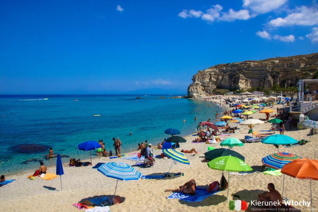 Plaża Spiaggia di Riaci, Tropea, Kalabria, Włochy (fot. Łukasz Ropczyński, kierunekwlochy.pl)