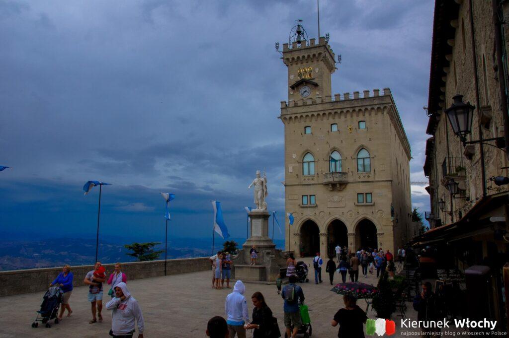 Piazza Della Liberta w San Marino (fot. Łukasz Ropczyński, kierunekwlochy.pl)