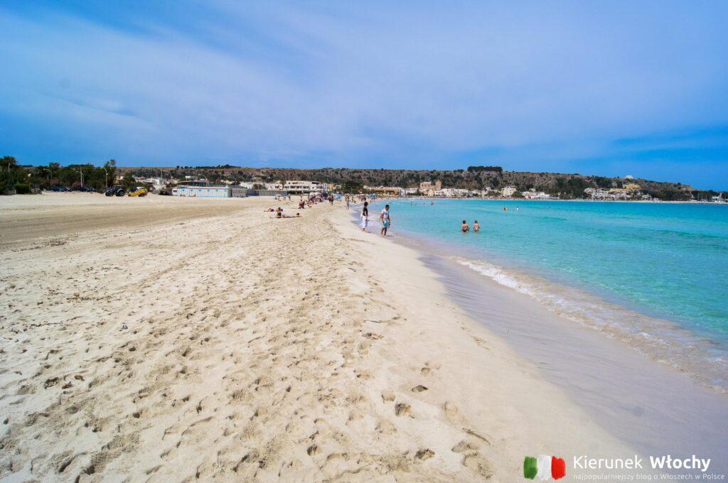 plaża w San Vito Lo Capo, Sycylia, Włochy (fot. Łukasz Ropczyński, kierunekwlochy.pl)