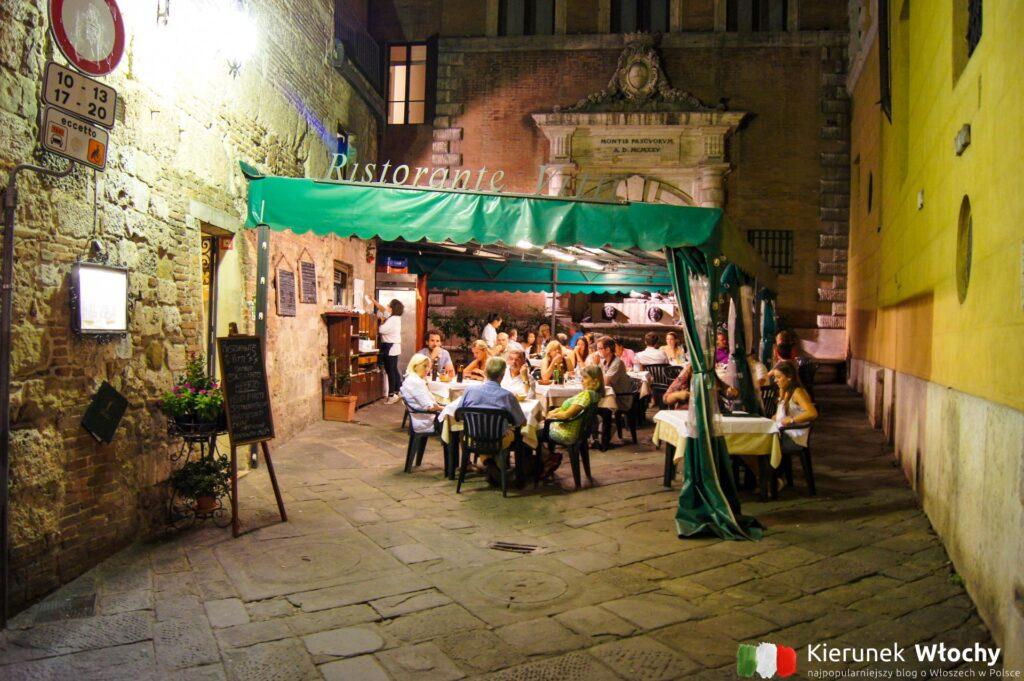 jedna z restauracji w Sienie, nieco dalej od głównego placu (fot. Łukasz Ropczyński, kierunekwlochy.pl)