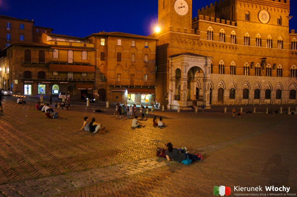 Piazza del Campo, Siena, Włochy (fot. Łukasz Ropczyński, kierunekwlochy.pl)