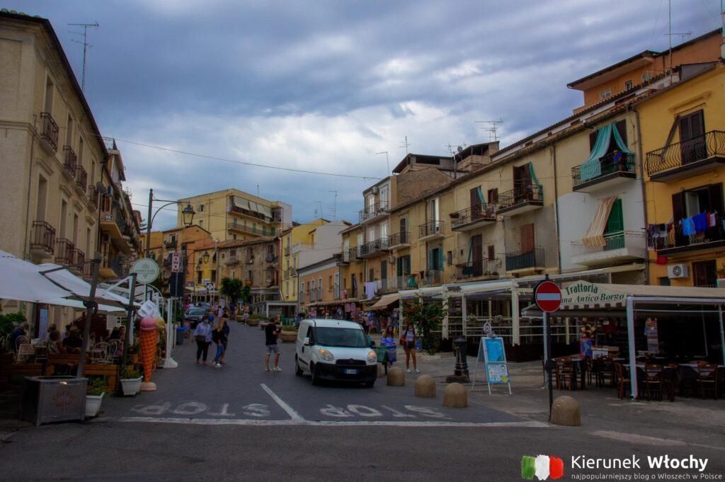 Via Umberto I, Tropea, Kalabria, Włochy (fot. Łukasz Ropczyński, kierunekwlochy.pl)