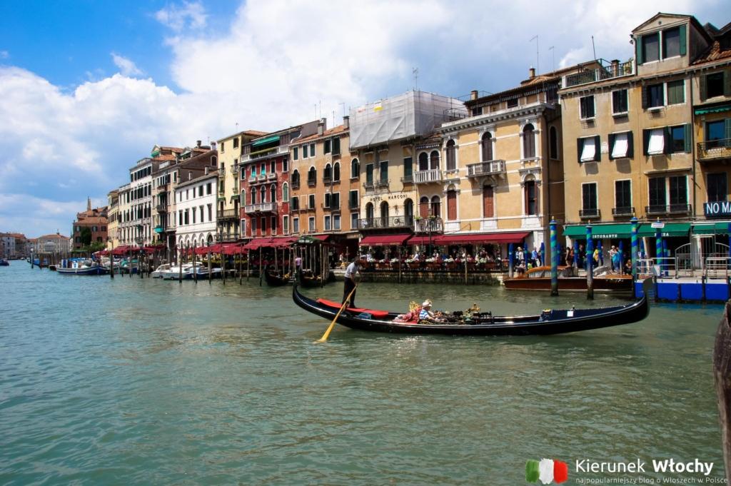 noclegi w Wenecji, po drugiej stronie Canal Grande - Hotel Marconi. Tuż obok Ponte Rialto. Jedna z najlepszych lokalizacji w Wenecji przy zachowaniu rozsądnej ceny (fot. Łukasz Ropczyński, kierunekwlochy.pl)