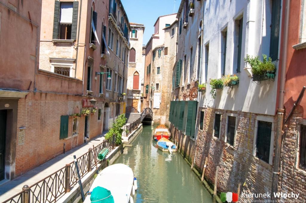 spacer najstarszą częścią Wenecji, Włochy (fot. Łukasz Ropczyński, kierunekwlochy.pl)