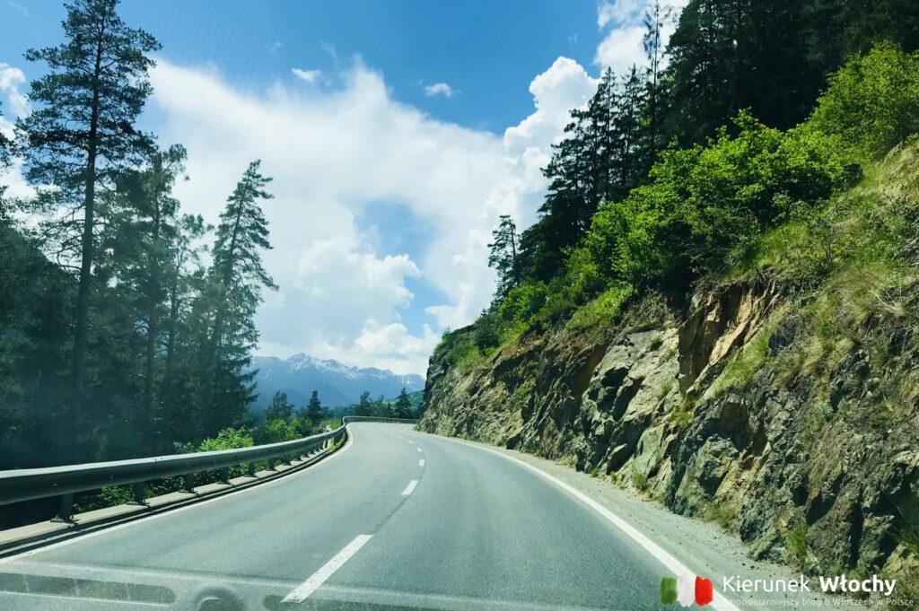 droga nad jezioro Como przez Szwajcarię (fot. Łukasz Ropczyński, kierunekwlochy.pl)