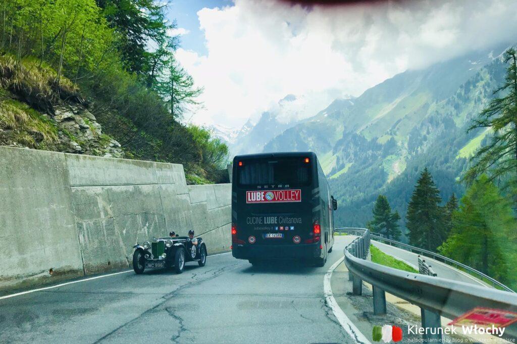 Szwajcaria, przełęcz Maloja w trakcie naszej podróży (fot. Łukasz Ropczyński, kierunekwlochy.pl)