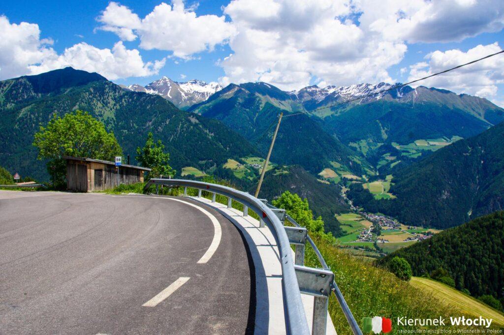 droga na Penser Joch, co warto zobaczyć w drodze do Włoch (fot. Łukasz Ropczyński, kierunekwlochy.pl)
