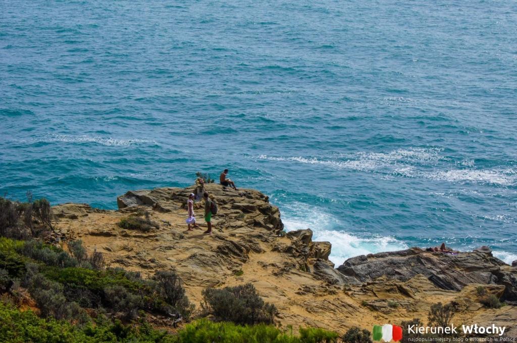 Calafuria, Punta Pacchiano, Quercianella, wybrzeże Toskanii, Włochy (fot. Łukasz Ropczyński, kierunekwlochy.pl)