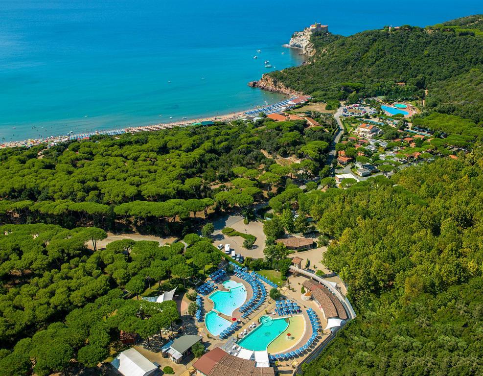 Camping Village Baia Azzurra Club, kempingi i noclegi w Toskanii
