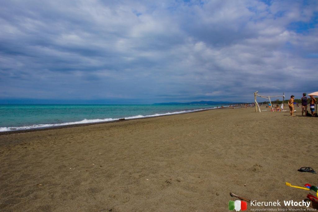 plaża w Marina di Bibbona (fot. Ł. Ropczyński, kierunekwlochy.pl)