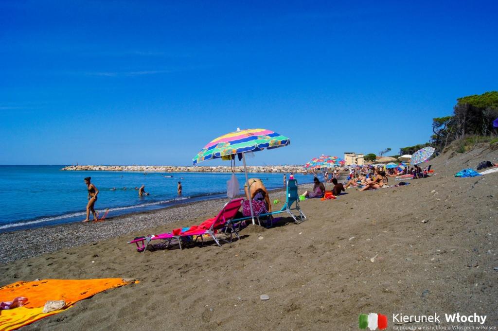 plaża darmowa w południowej części Ceciny (fot. Łukasz Ropczyński, kierunekwlochy.pl)