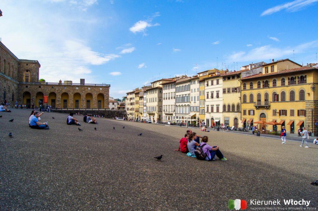 plac przed Palazzo Pitti we Florencji, Włochy (fot. Łukasz Ropczyński, kierunekwlochy.pl)
