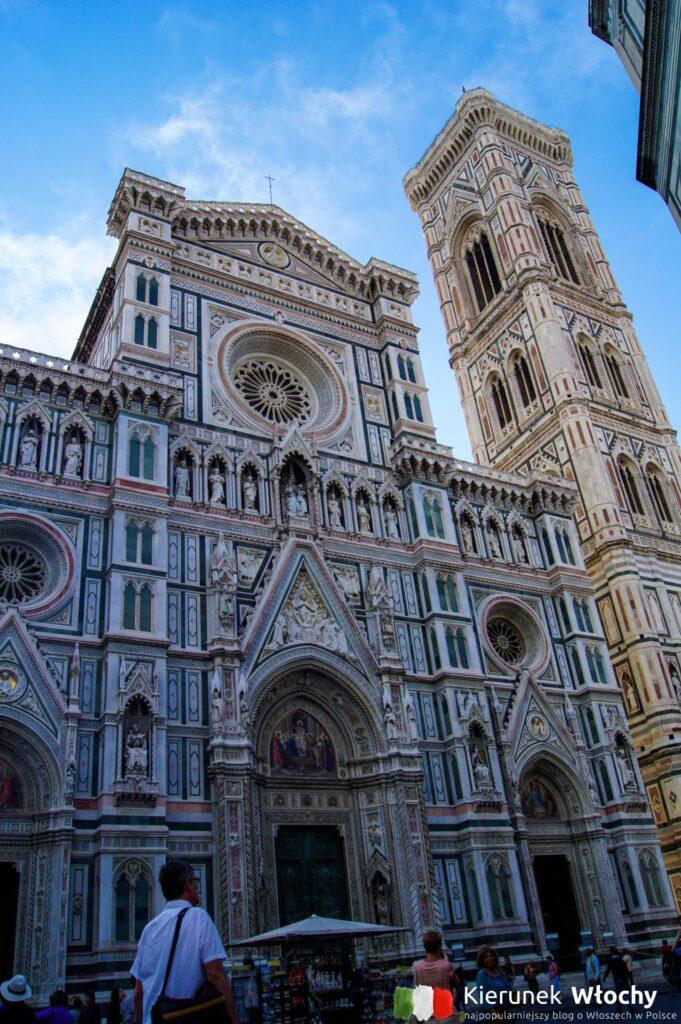 Duomo, a obok dzwonnica Campanile di Giotto, Florencja, Włochy (fot. Łukasz Ropczyński, kierunekwlochy.pl)