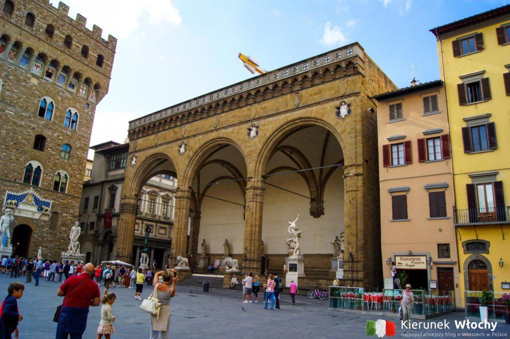 Loggia dei Lanzi przy Palazzo Vecchio, Florencja, Włochy (fot. Łukasz Ropczyński, kierunekwlochy.pl)
