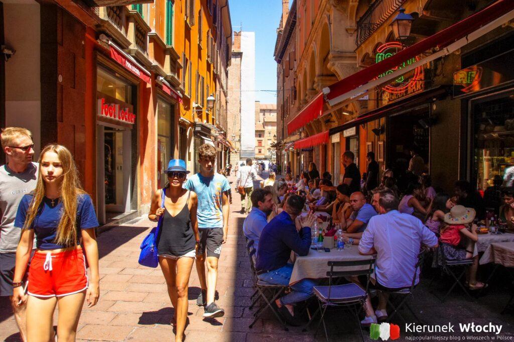 Via D'Azeglio, Bolonia, Włochy (fot. Łukasz Ropczyński, kierunekwlochy.pl)