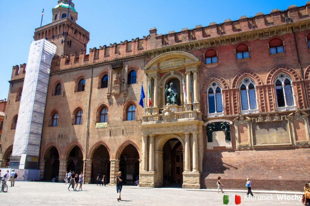Piazza Maggiore, Bolonia, Włochy (fot. Łukasz Ropczyński, kierunekwlochy.pl)