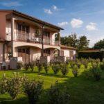 pokoje i apartamenty w Villaggio le Querce, Toskania