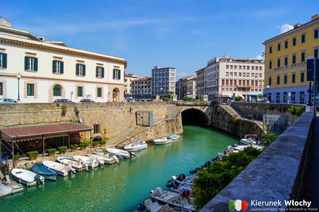 jeden z kanałów w centrum Livorno, wybrzeże Toskanii, Włochy (fot. Łukasz Ropczyński, kierunekwlochy.pl)