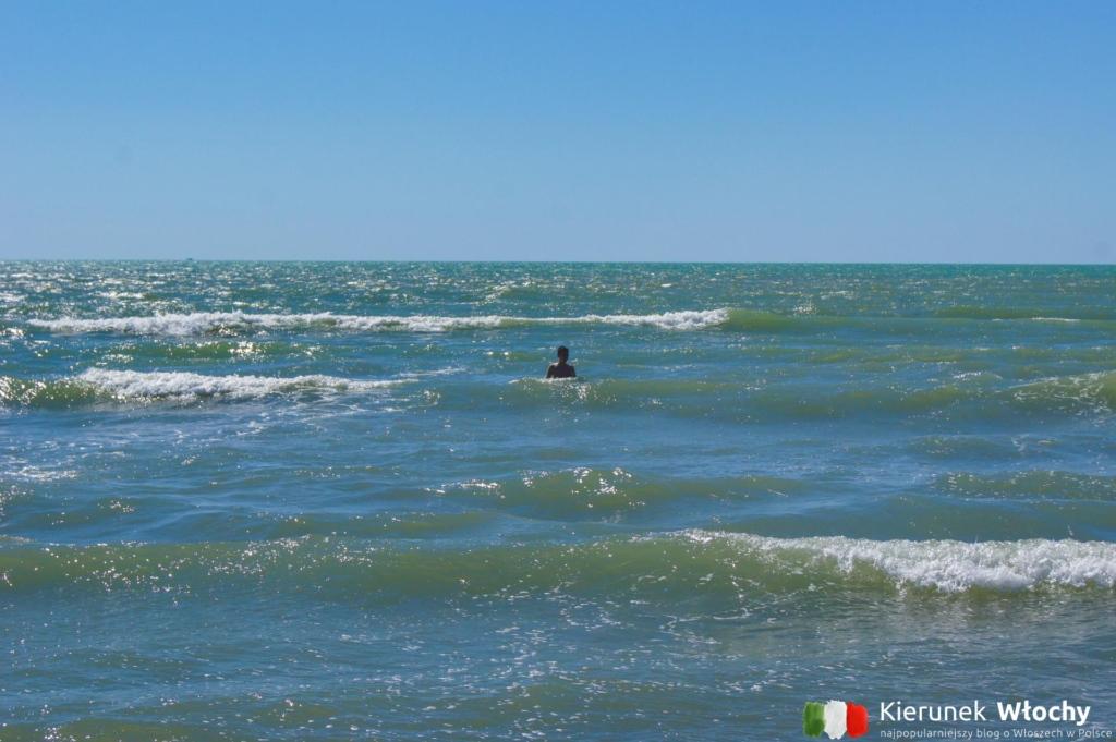 """plaża """"La Lecciona"""" w Marina di Torre del Lago Puccini, Włochy (fot. Łukasz Ropczyński, kierunekwlochy.pl)"""