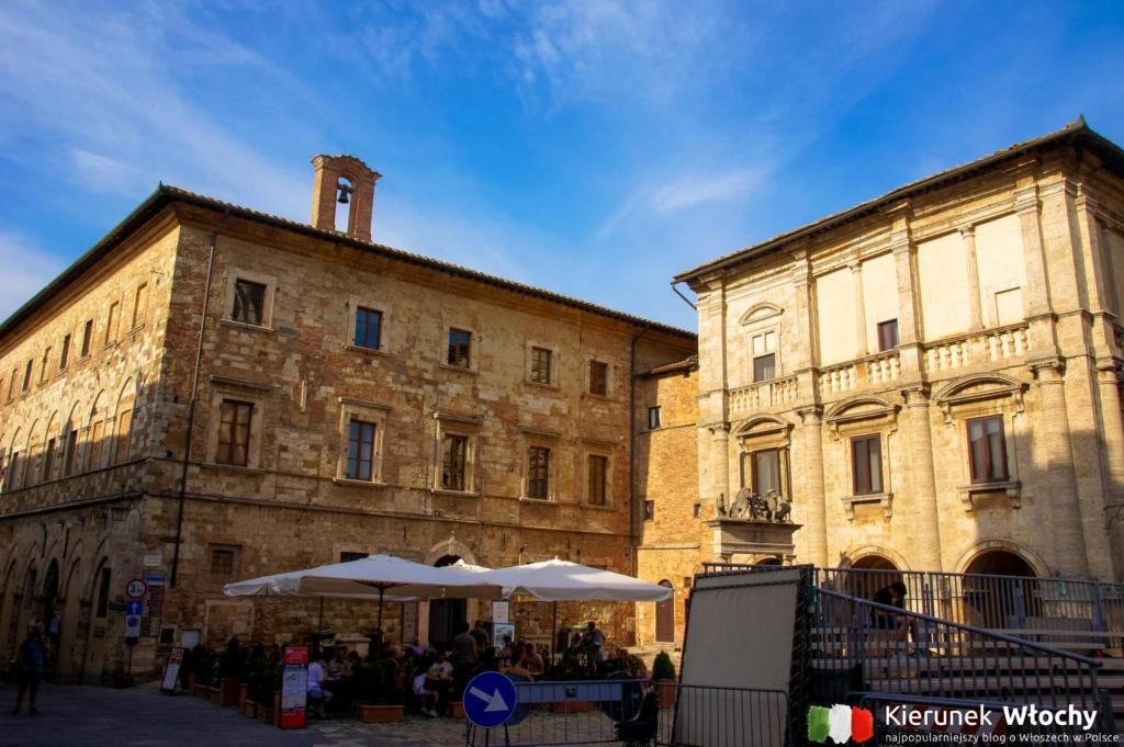 Piazza Grande w Montepulciano, Toskania, Włochy (fot. Łukasz Ropczyński, kierunekwlochy.pl)