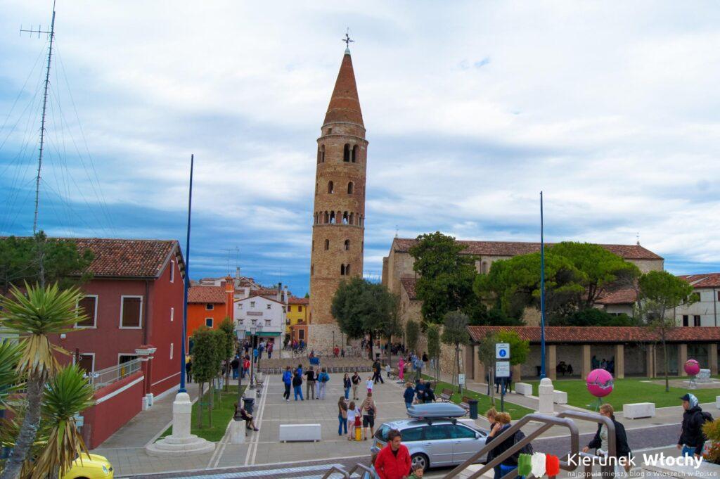 katedra w Caorle we wnętrzu której mieści się niewielkie muzeum, Wenecja Euganejska, Włochy (fot. Łukasz Ropczyński, kierunekwlochy.pl)