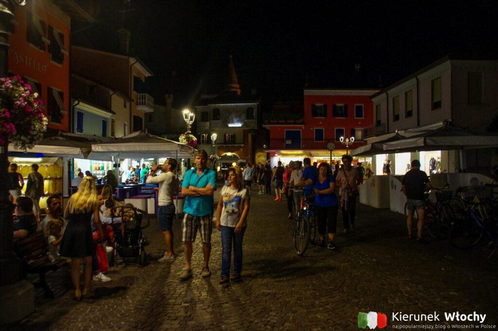 restauracje i bary czynne są do późnej nocy (fot. Łukasz Ropczyński, kierunekwlochy.pl)