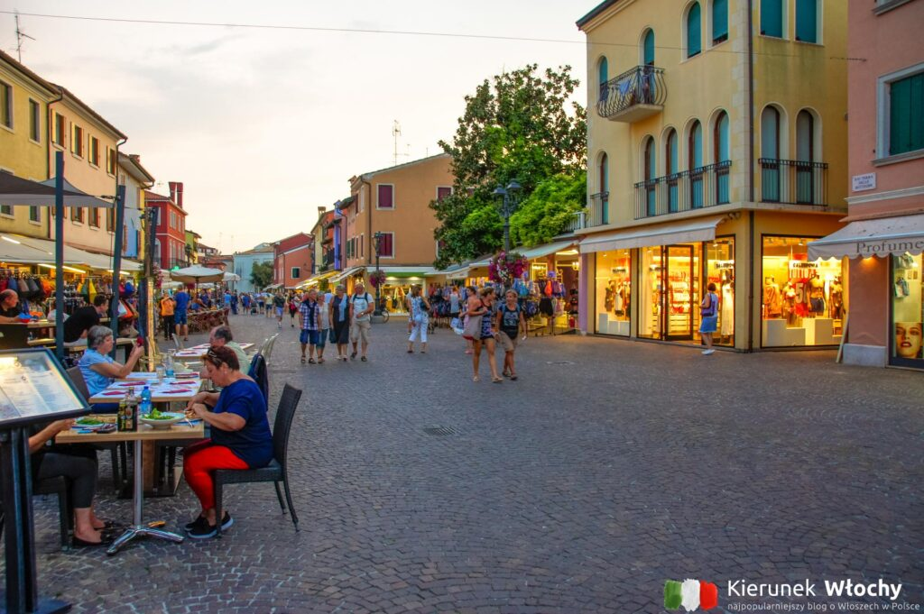 zabytkowe centrum Caorle, Veneto, Włochy (fot. Łukasz Ropczyński, kierunekwlochy.pl)