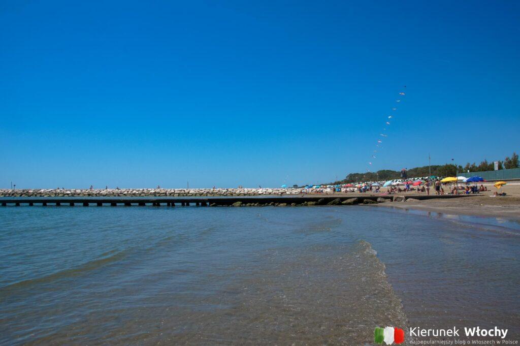 plaża przy kompleksie Lido Altanea (fot. Łukasz Ropczyński, kierunekwlochy.pl)