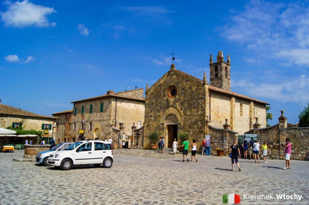 Piazza Roma, Monteriggioni, Włochy (fot. Łukasz Ropczyński, kierunekwlochy.pl)