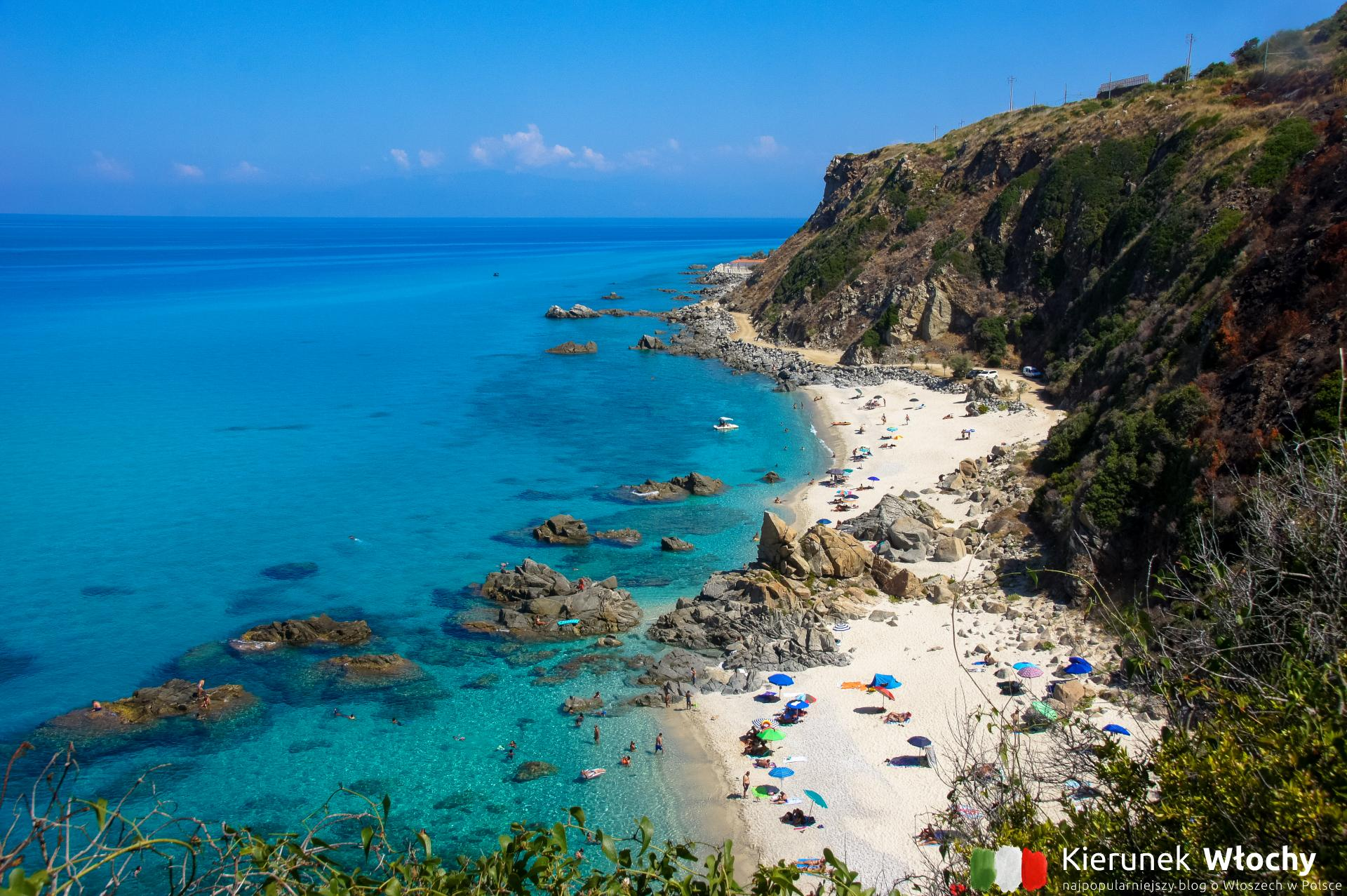 Gdzie jechać na wakacje do Włoch? Na zdjęciu Kalabria, plaża w Marina di Zambrone (fot. Łukasz Ropczyński, kierunekwlochy.pl)
