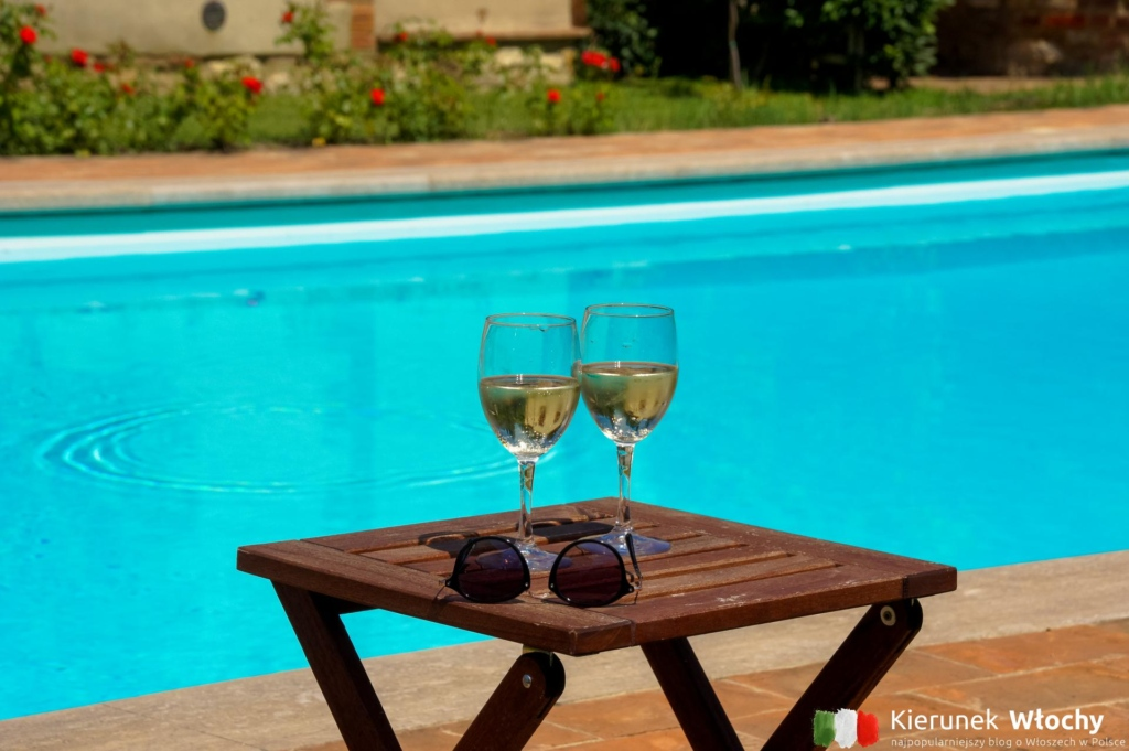 wieczorami piliśmy czerwone wina z regionu Chianti, ale w upalne poranki lepsze było białe (fot. Ł. Ropczyński, kierunekwlochy.pl)