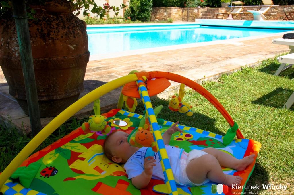 3-miesięczny Milan mógł spać przy basenie i nikt mu nie przeszkadzał (fot. Ł. Ropczyński, kierunekwlochy.pl)