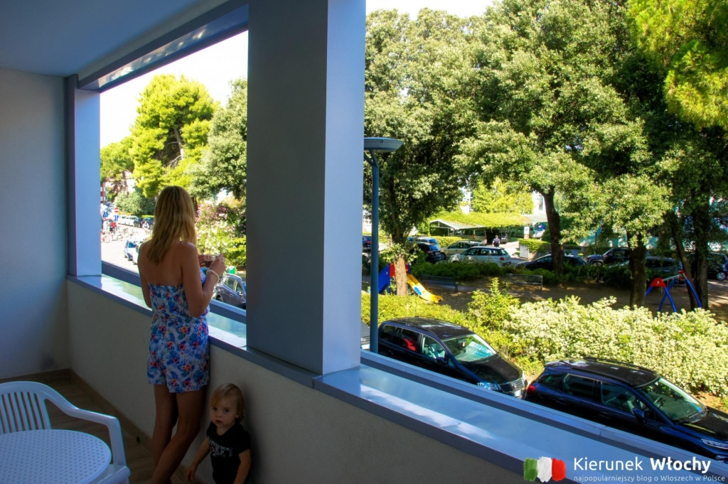 widok z tarasu naszego apartamentu (fot. Łukasz Ropczyński, kierunekwlochy.pl)