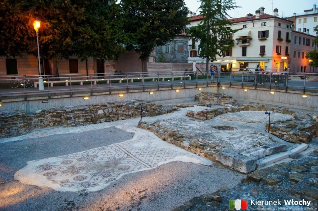 Piazza Vittoria, Grado, Włochy (fot. Łukasz Ropczyński, kierunekwlochy.pl)