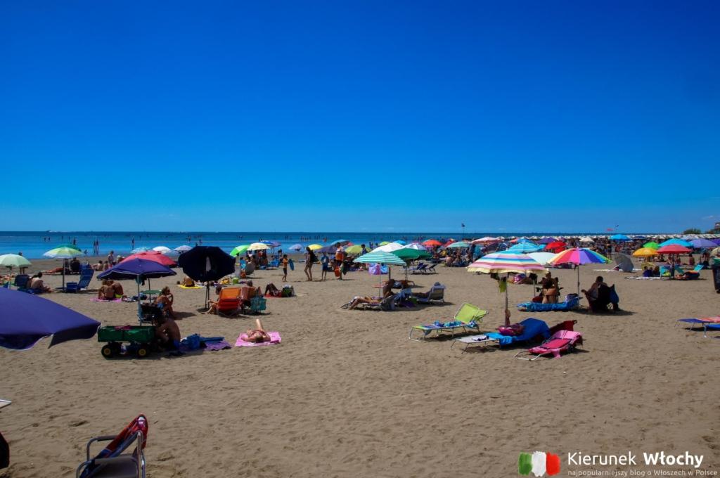 najdłuższa miejska plaża, czyli Spiaggia Principale (fot. Łukasz Ropczyński, kierunekwlochy.pl)