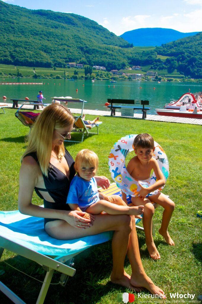 plaża hotelu Seegarten**** nad Lago di Caldaro, Południowy Tyrol, Włochy (fot. Łukasz Ropczyński, kierunekwlochy.pl)