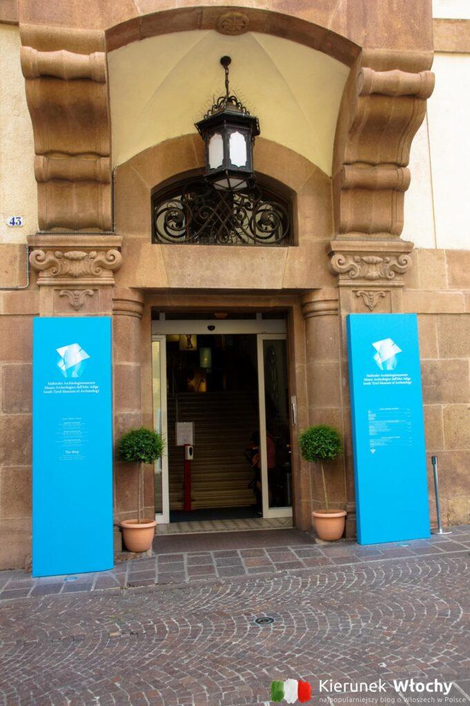 wejście do muzeum (fot. Ł. Ropczyński, kierunekwlochy.pl)