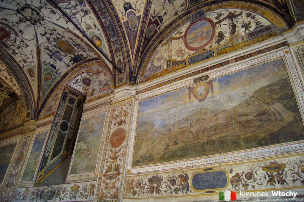 wnętrze znajdującego się przy placu Palazzo Vecchio (fot. Ł. Ropczyński, kierunekwlochy.pl)