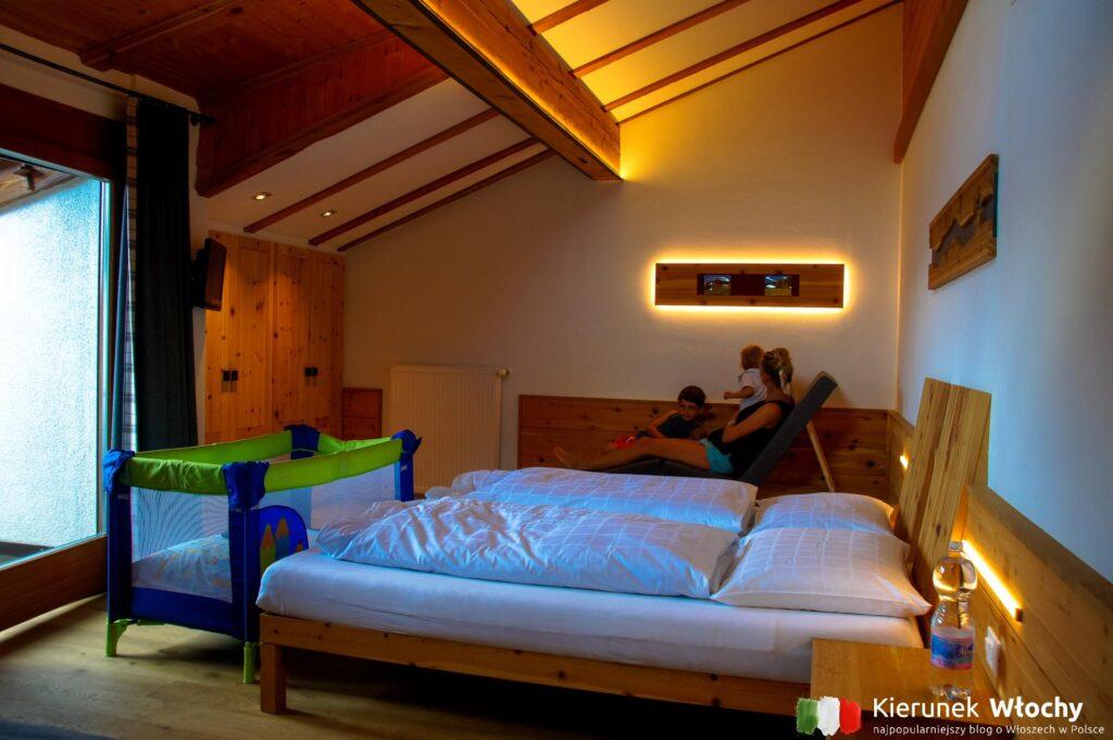 nasz pokój w Gasthof Waldbichl w Verano w pobliżu Merano, Południowy Tyrol, Włochy (fot. Ł. Ropczyński, kierunekwlochy.pl)