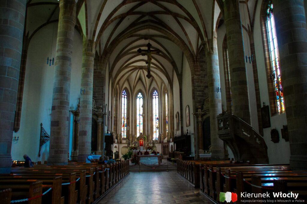 gotyckie wnętrze kościoła św. Mikołaja w Meran, Południowy Tyrol, Włochy (fot. Ł. Ropczyński, kierunekwlochy.pl)