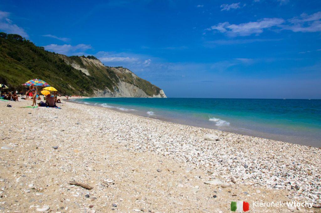 plaża Mezzavalle, region Marche (fot. Łukasz Ropczyński, kierunekwlochy.pl)