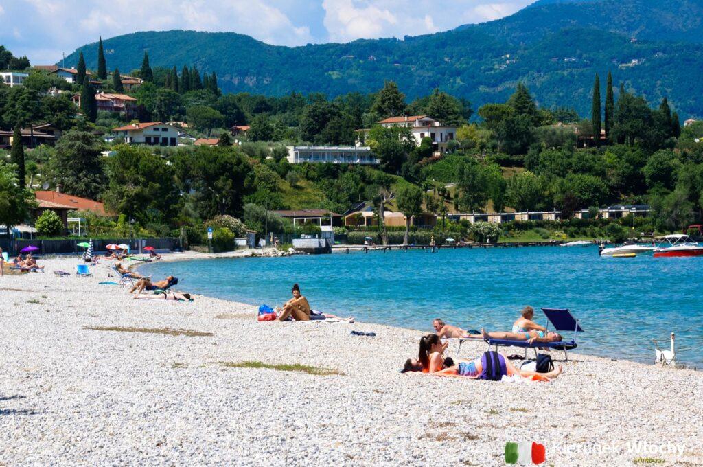 Spiaggia La Romantica, Manerba del Garda, jezioro Garda, Włochy (fot. Ł. Ropczyński, kierunekwlochy.pl)
