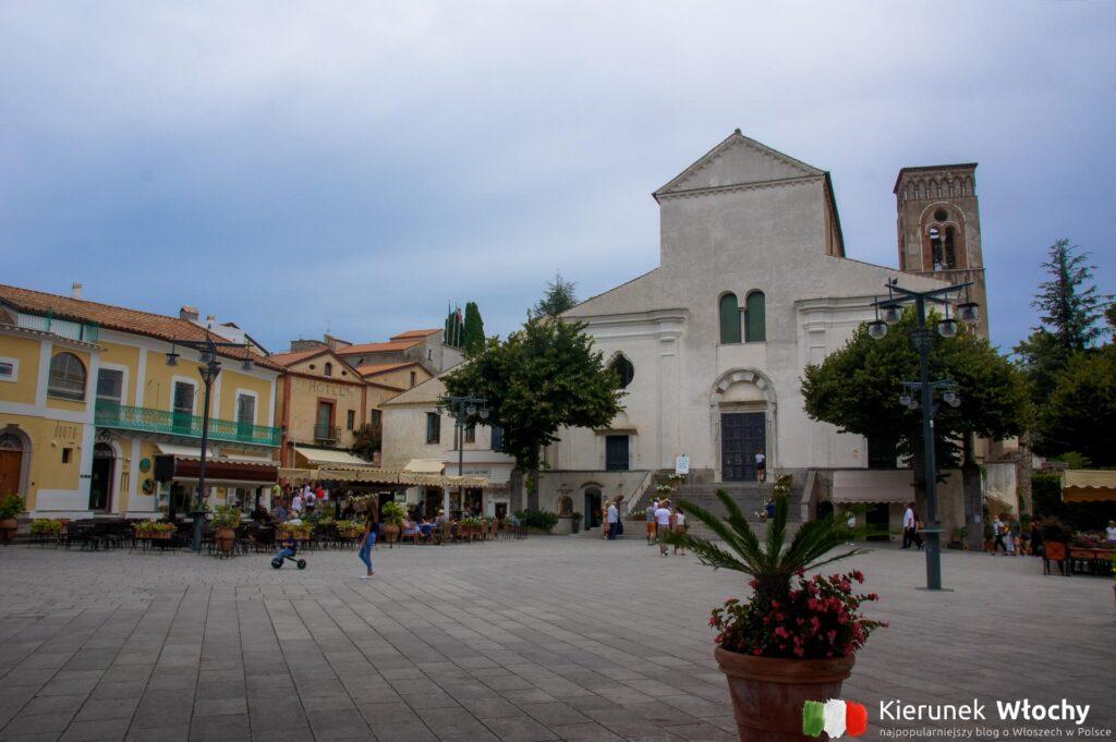 Piazza Duomo w Ravello (fot. Ł. Ropczyński, kierunewlochy.pl)