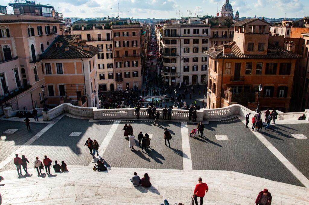 Schody Hiszpańskie, Rzym, Włochy (fot. Sarah Nichols)