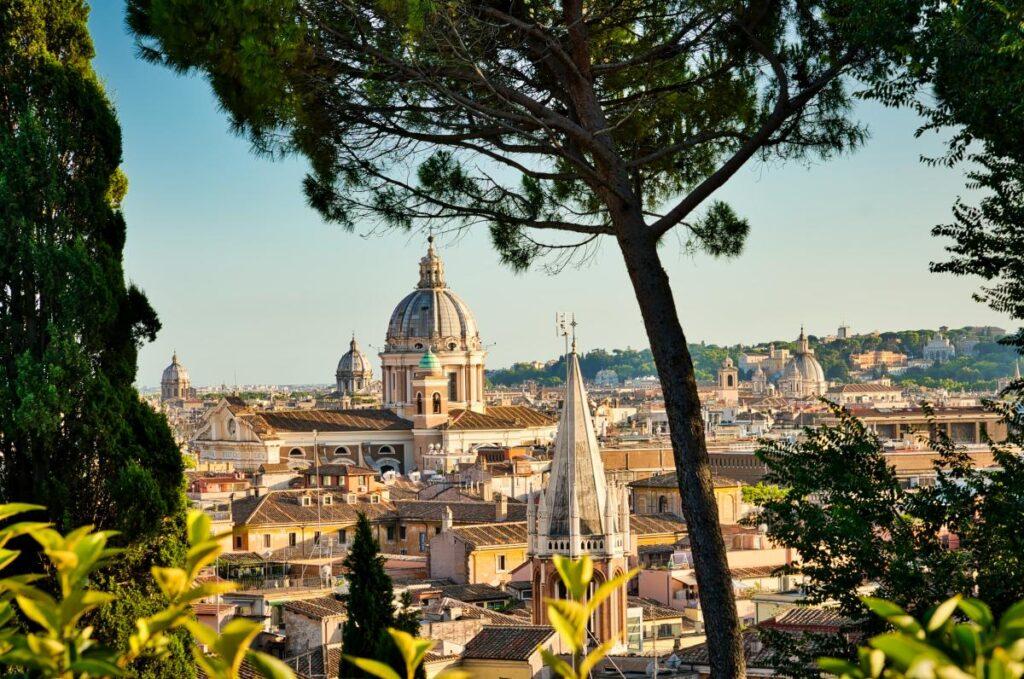 widok z Ogrodów Borghese na Rzym (fot. sbmeaper1)
