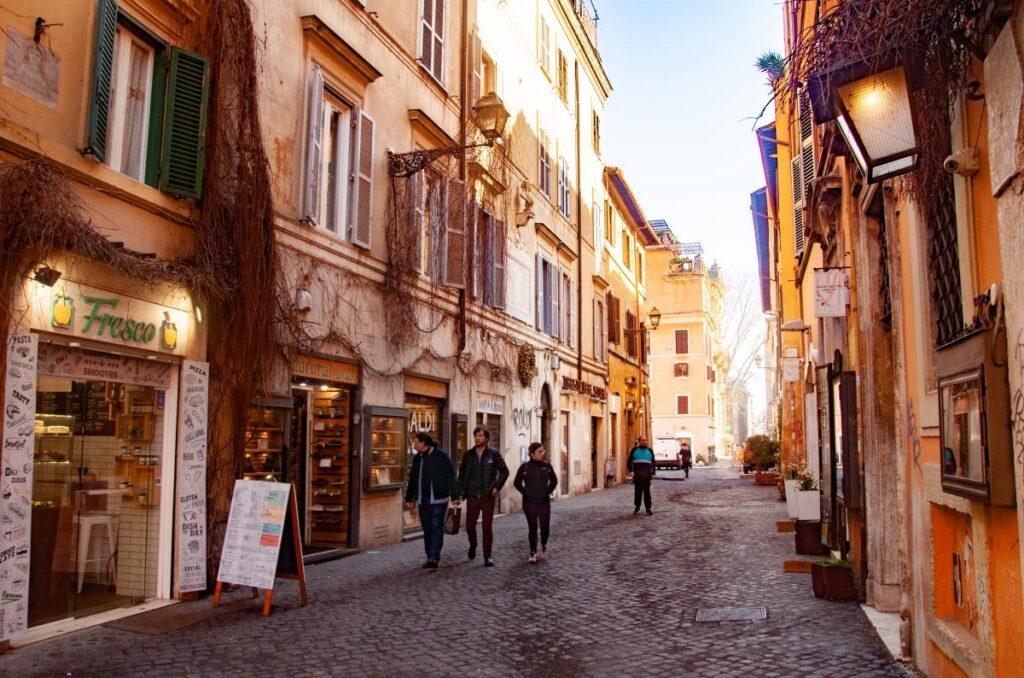 dzielnica Zatybrze, Trastevere, Rzym, Włochy (fot. Sarah Nichols)