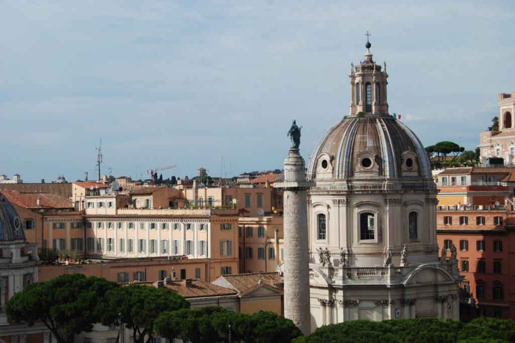 Widok z Pomnika Wiktora Emanuela II, Rzym, Włochy (fot. Ana Rey)